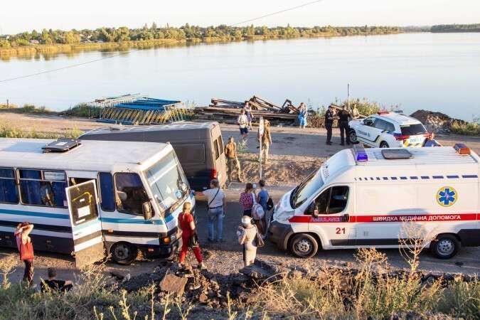 На месте ЧП работали правоохранители, медики и спасатели.