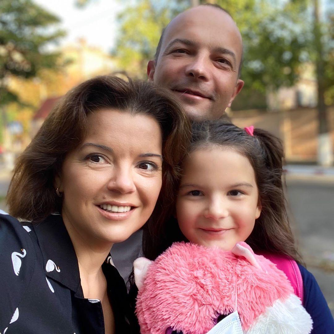 Падалко с мужем и дочерью