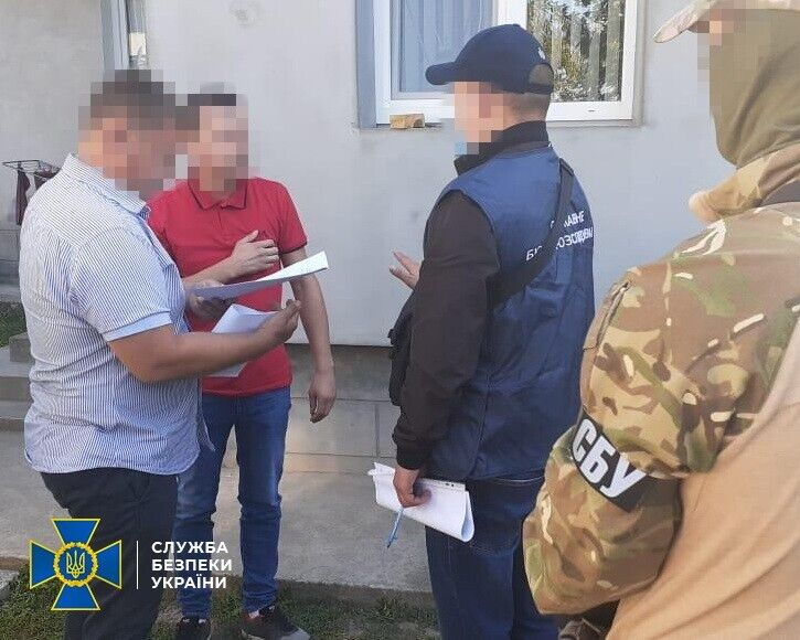 СБУ затримала учасників угруповання, які підробляли паспорти ЄС