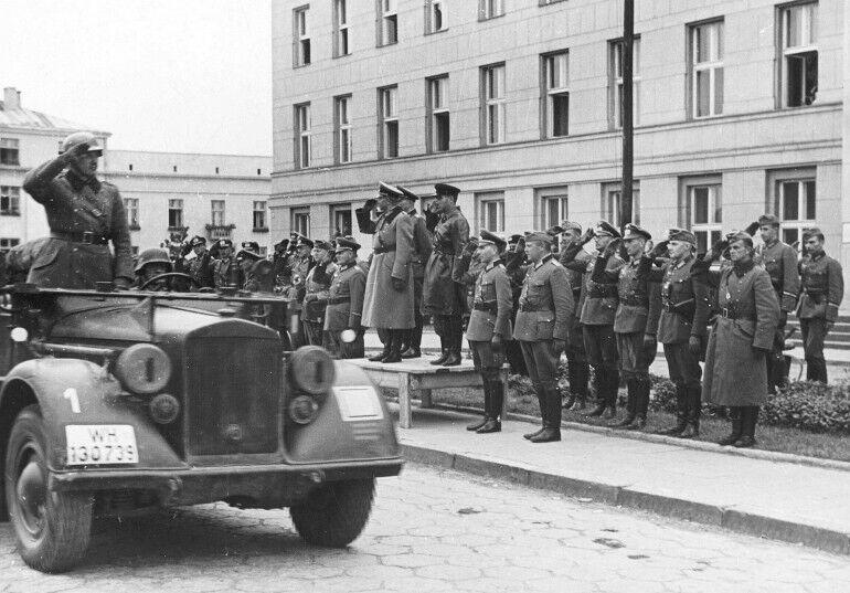 Нацисти були покарані. Совєти – залишаються непокараним злом