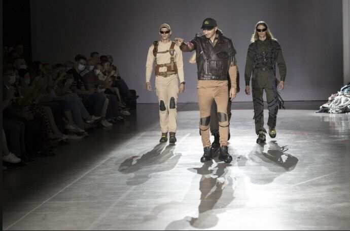 Изготовление рабочей одежды для коммунальщиков планируется заказать у украинских производителей.