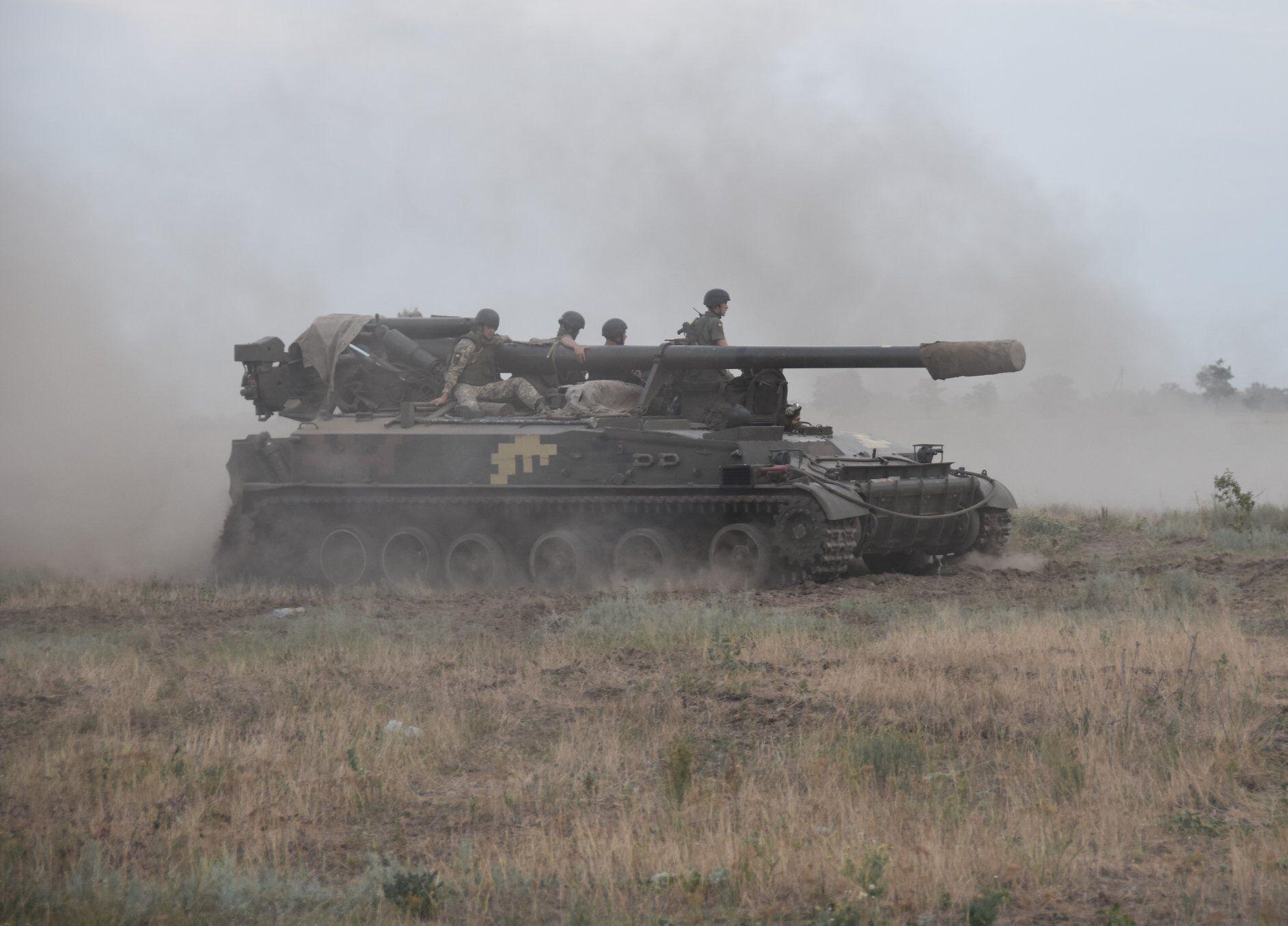 Навчання гаубичної артилерії відбулися на одному з полігонів поблизу з окупованим Кримом.