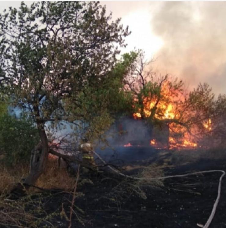 Унаслідок пожежі під Ростовом загинули двоє людей