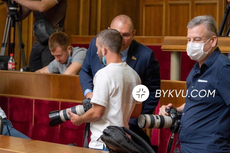 Нардеп Шевченко прийшов на балкон до Доброносова.