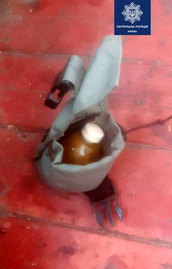 На балконе пенсионерки нашли гранаты.