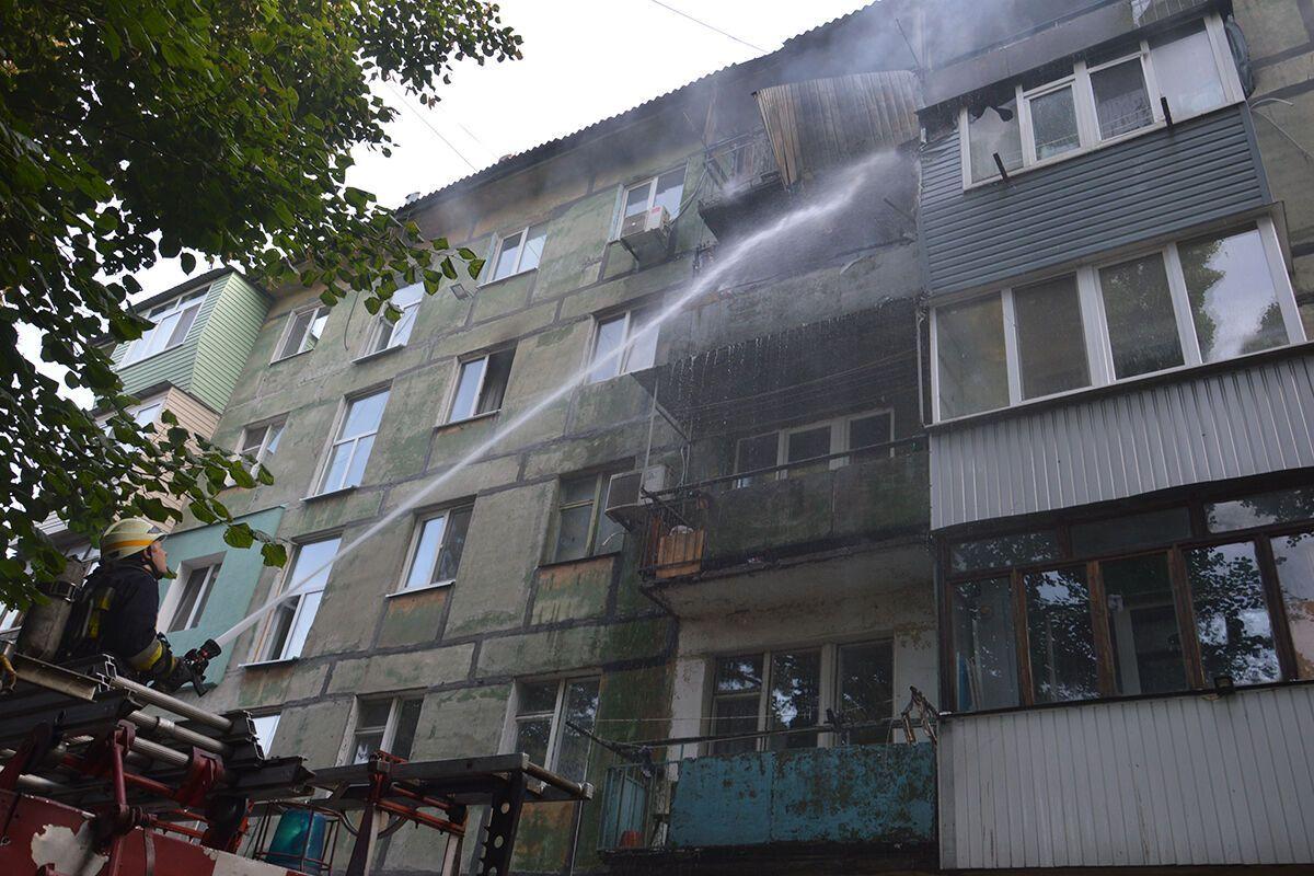 Із вогнем боролися 11 рятувальників.