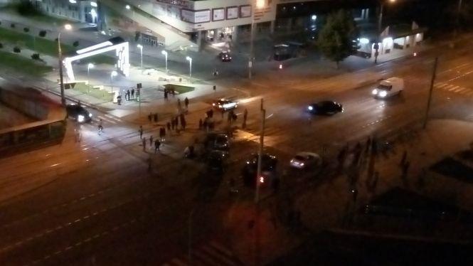 В Виннице BMW въехала в толпу людей.