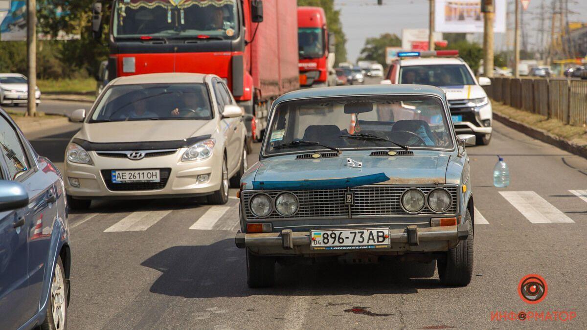 У Дніпрі на Донецькому шосе автомобіль ВАЗ збив пішохода.