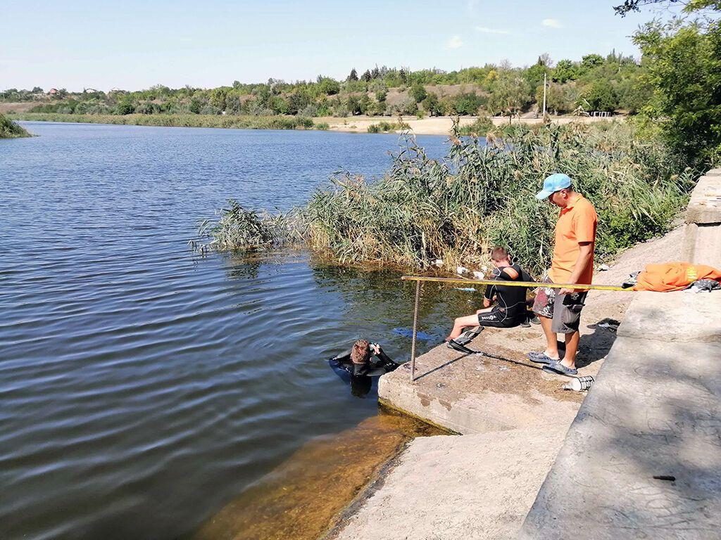 Трагедия случилась на затопленном карьере возле города Покров.