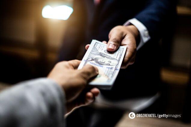 Вимагав $50 тис.: суд залишив на волі фіскала-хабарника. Фото