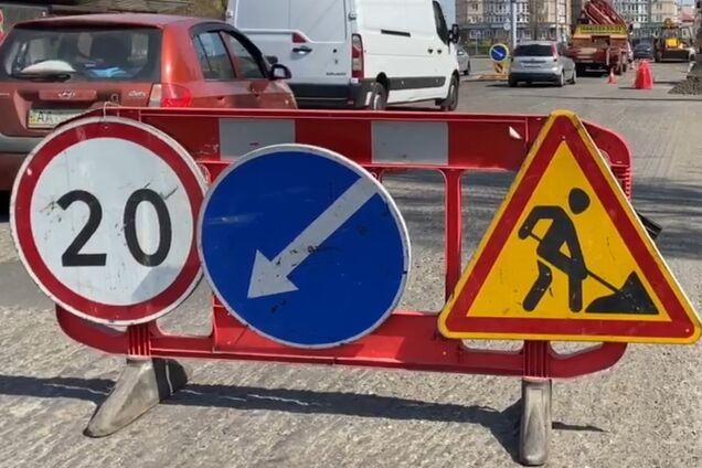 Шмыгаль предложил новый способ борьбы с безработицей: отправлять на строительство дорог