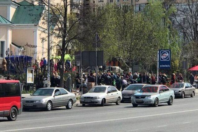 Массовое скопление верующих на карантине в Одессе