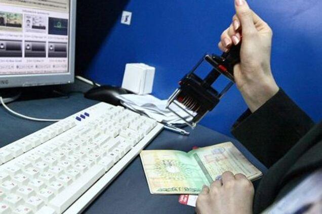 Для туристів можуть ввести особливі документи після карантину