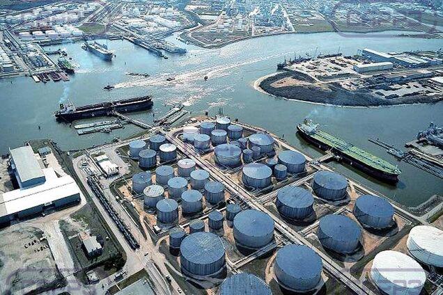 Сховища нафти вже майже заповнені