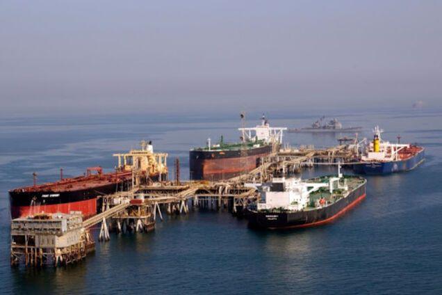 Танкери використовують для зберігання нафти