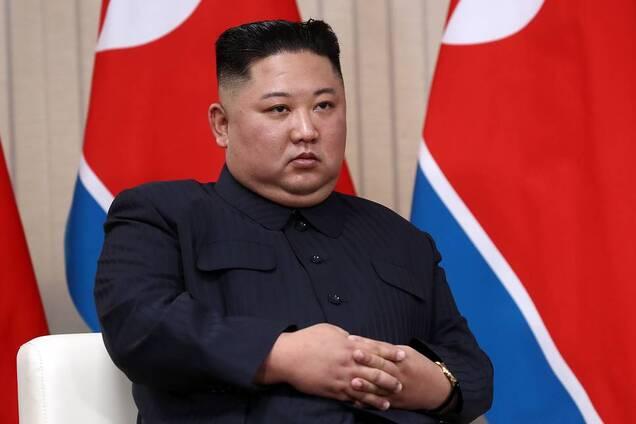 """У Південній Кореї пролили світло на """"хворобу"""" Кім Чен Ина"""