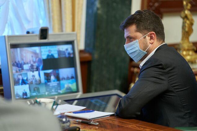 Зеленський попередив про спалах COVID-19 після травневих свят