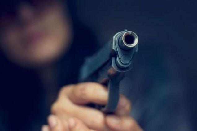У Дніпрі чоловік при затриманні вчинив стрілянину по поліції
