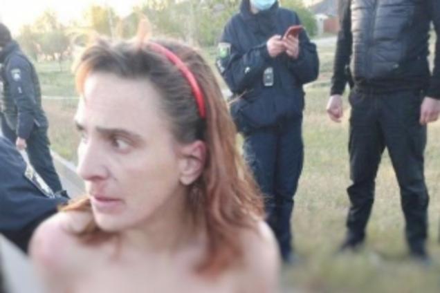 Неадекватна у Харкові вбила доньку