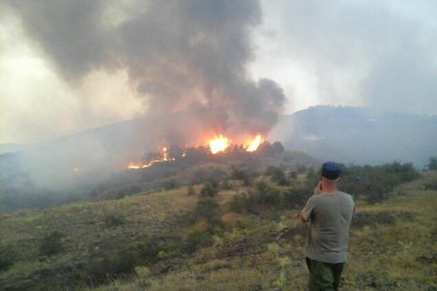 Пожары в Крыму. Иллюстрация