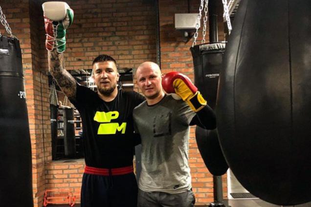 Украинский боец MMA Ярослав Амосов и Александр Алиев