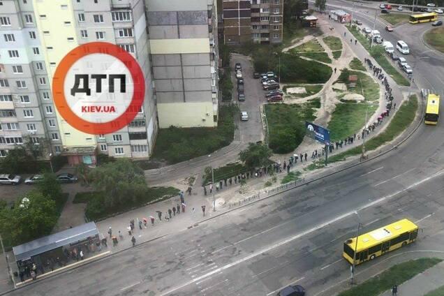 Очереди в транспорт Киева во время карантина