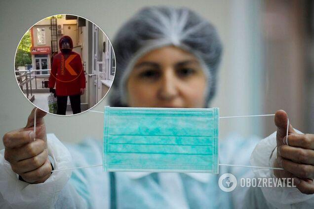У Росії бабуся накинулася на маму з дітьми через маску. Ілюстрація
