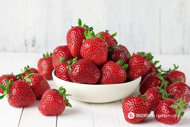 Названо 8 причин, чому треба їсти більше полуниці