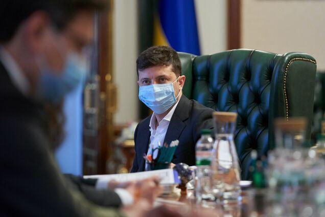 Зеленський підняв питання закупівлі засобів захисту від коронавірусу