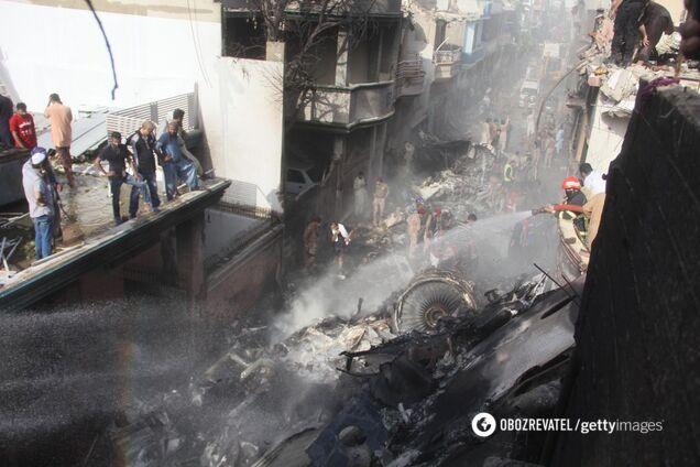 Місце аварії літака Airbus A320 в Карачі