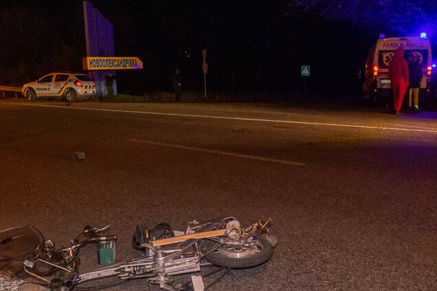 Автомобіль на швидкості збив велосипедиста