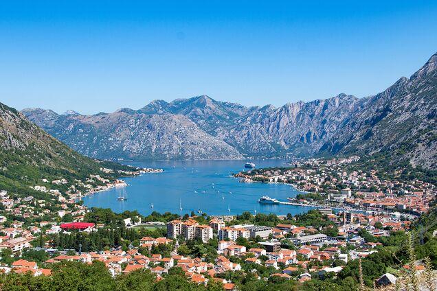 Черногория объявила об открытии границ: из каких стран будут пускать