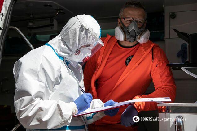 Врач предупредила о второй волне COVID-19 в Украине: могут завезти из других стран