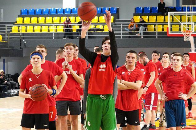 """СК """"Прометей"""" приглашает юношей на обучение в новую академию баскетбола"""