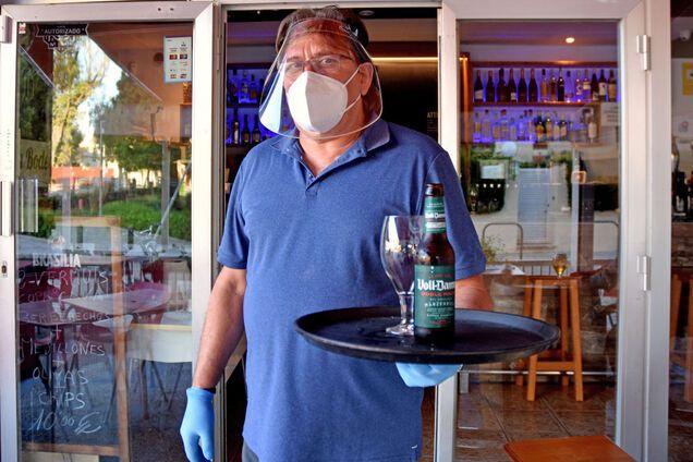 Как избежать заражения COVID-19 при посещении ресторанов: советы экспертов