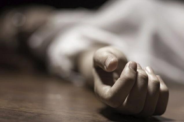 На Дніпропетровщині чоловік забив до смерті жінку