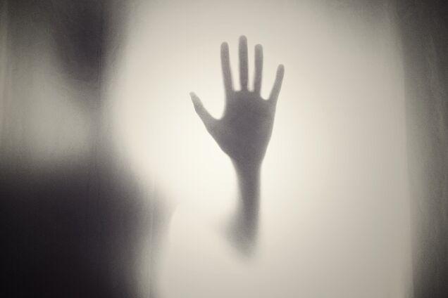 """В американском отеле засняли """"ребенка-привидение"""": жуткие кадры"""