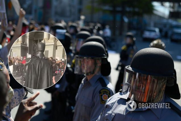 У США на протестах з'явився Бетмен