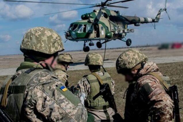 В Днепр вертолетом доставили еще одного раненого бойца
