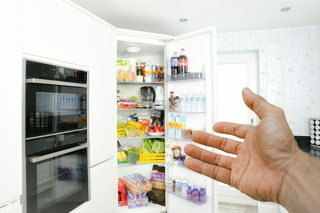 Що краще зберігати в дверцятах холодильника