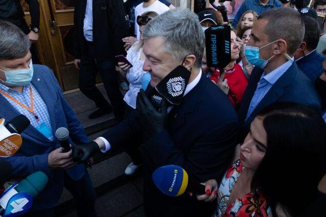 """""""Юридический трэш!"""" Адвокат объяснил, в чем незаконность """"подозрения"""" Порошенко"""