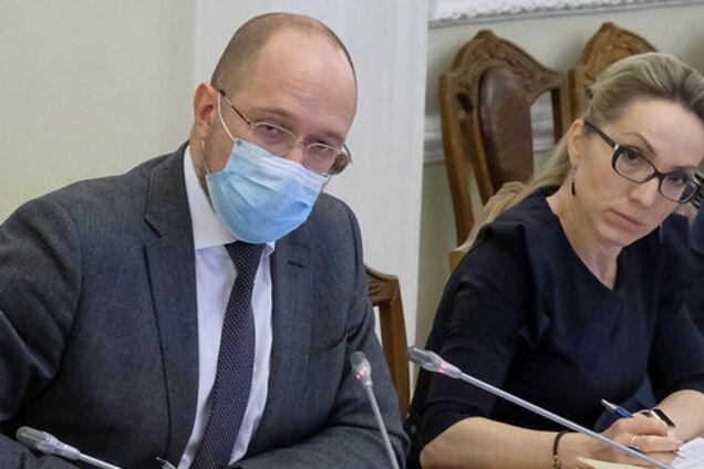 """Кабмин намерен зарегистрировать законопроект о сокращении """"зеленых"""" тарифов – Буславец"""
