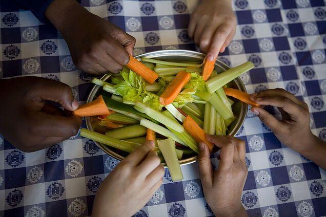 Сезонні овочі та фрукти найсмачніші