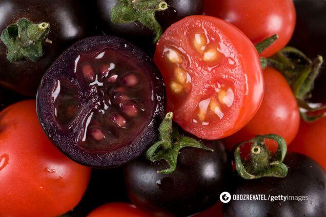 На характеристики помідору впливає сорт, до якого він належить