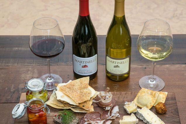 Нет четких правил, какое вино сочетается с сыром