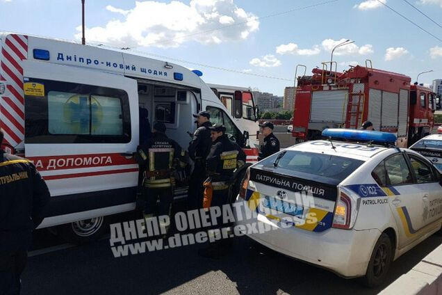 Полиция и МЧС на месте происшествия