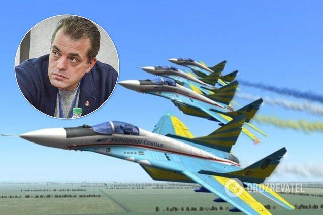 Бирюков забил тревогу из-за резких сокращений в военной авиации