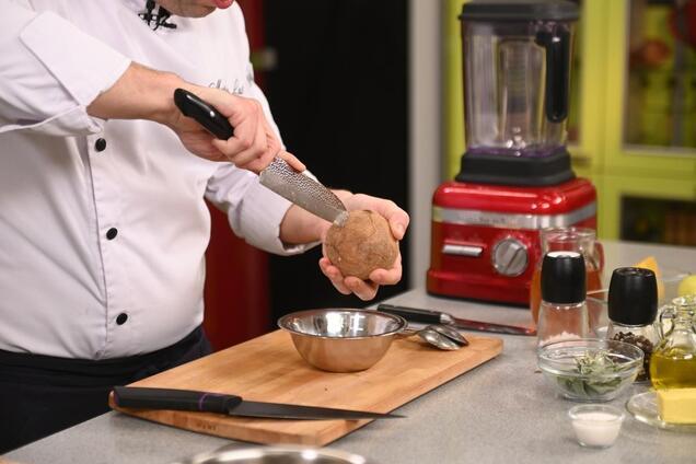 Шеф-повар раскрыл секретный ингредиент, превращающий суп из тыквы в шедевр