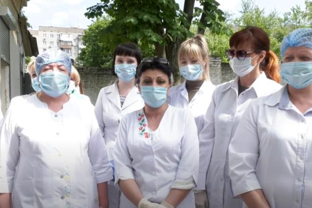 В Днепре врачи пожаловались Зеленскому на нардепа, который блокирует больницу в разгар пандемии