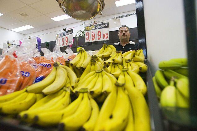 Диетолог призвала не выбрасывать банановую кожуру: в чем польза